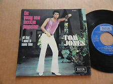 "DISQUE 45T DE TOM JONES AVEC LANGUETTE  "" THE YOUNG NEW MEXICAN PUPPETEER """