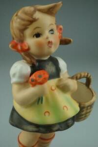 M.I. Hummel Goebel Sister #98/2/0 TMK5 Figurine