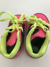 cab066524c42c6 Reebok Peek n Fit toddler shoes with pumps that squeaks