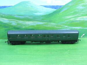 Hornby Southern Green corridor brake coach - oo gauge