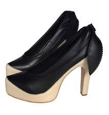 SALE BNIB Thai designer DISAYA lambskin leather Scallop pumps black cream heels
