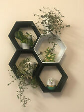 Hexagon Shelf - 4 pc (1 White 3 Black) mixed