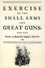 Exercice des armes légères et de grands canons pour les Marins à bord de son...