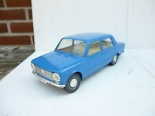 1:10 OLD RUSSIAN VAZ LADA  2101 PLASTIC ELECTRIC DRIVE BIG DEALER MODEL TOY CAR