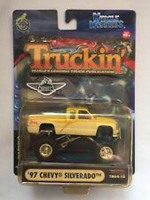 Muscle Machines Truckin' 1997 '97 Chevy Silverado Yellow Pickup 1/64 Yellowed