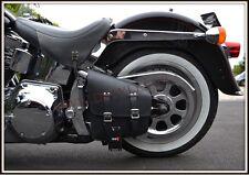Sacoche latérale coté cadre rigide en Cuir ( moto custom Harley Softail fatboy )
