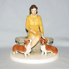 Royal Doulton character figure Queen Elizabeth II At Home Corgis HN5807 Boxed