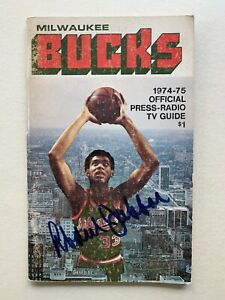 1974-75 Milwaukee Bucks Media Guide Signed by Basketball HOF Center Abdul Jabbar