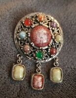 VINTAGE SCOTTISH THEMED AGATE SMALL SHIELD DANGLE BROOCH PIN