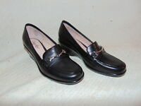 PR BRAND NEW NEVER WORN BLACK LEATHER LOAFER HEELS BY DEXTER SHOES SIZE 6M