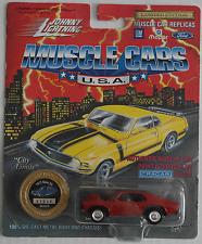 Johnny Lightning -'72/1972 Chevy Nova SS rojo nuevo/en el embalaje original
