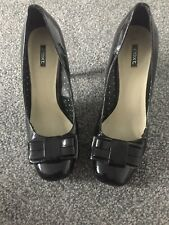 Ladies Womens Black Patent Heeled Shoes Size 61/2