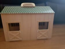 Melissa and Doug Fold and Go wooden horse stable with 2 horses