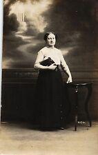 Dame mit Handtasche, Foto-AK, ca. 20er Jahre