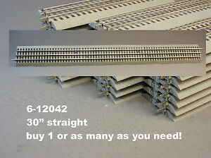 LIONEL FASTRACK 30 INCH LONG STRAIGHT TRAIN TRACK SECTION O Gauge 3 rail 6-12042
