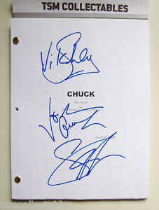 CHUCK autographed PILOT script Sarah LANCASTER Vik SAHAY Joshua GOMEZ signed