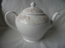 Bone China Teapot by Mayfair, Staffordshire, England – Ref 1213