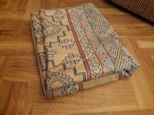 VINTAGE CREWEL EMBROIDERY RUG WALL HANGING THROW 75cmx120cm SOFT PASTELS