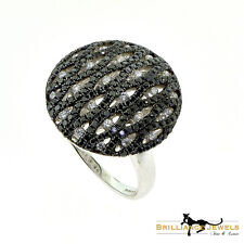 Black and White Diamond Circle Ring with Swerves in White Gold