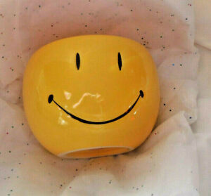 Smiley Face Bowl Vase Round 4.5 x 5.5