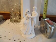 WEDDINGSTAR  WEDDING CAKE TOPPER W HITE   BRIDE & GROOM DANCING