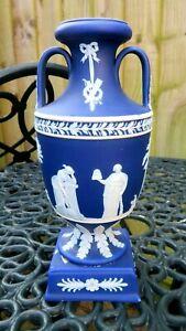 ANTIQUE LATE 19THC WEDGWOOD  DARK BLUE JASPERWARE TROPHY VASE. C1900-