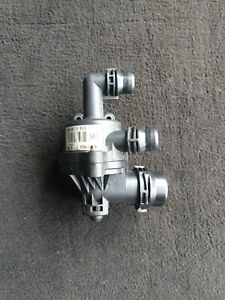 BMW 3 SERIES 2.0 PETROL WATER PUMP + THERMOSTAT HOUSING 7574121 (05-13)