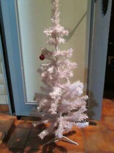Sapin Noël Arbre Artificiel Décoration Fêtes Maison Couleur Blanc Hauteur 90cm
