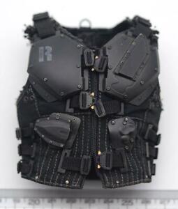 Hot Toys MMS199 G.I. Joe Retaliation Roadblock - Tactical armor vest