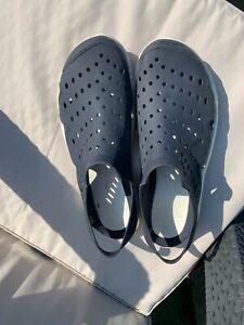 Crocs men size 10