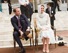 Catherine, Duchess of Cambridge & Prince William UNSIGNED photo - H5934