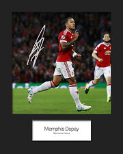 MEMPHIS DEPAY - MANCHESTER UNITED Signed 10x8 Mounted Photo Print - FREE DEL