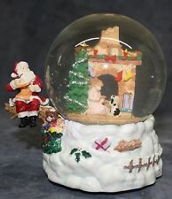 Santa Claus is Coming Christmas Night Snow Waterglobe and Music Box