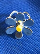 Ladies Funky Fusion Hand Crafted Yellow Glass Sliver Plated Daisy Ring