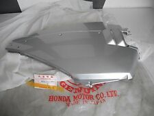Parte Laterale Destra Sidecover Right HONDA nh125 lead jf01 anno 83-86 NUOVO NEW