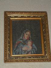 ANCIENNE BRODERIE /TAPISSERIE/ FAIT MAIN/VIERGE A L'ENFANT/GRECE/TOTAL 18x21x3cm
