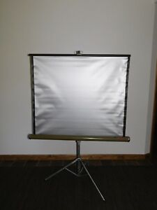 """VINTAGE MOVIES FILMS 39"""" W X 36"""" H KNOX PANORAMA TRI POD STAND PROJECTOR SCREEN"""