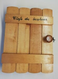 Antique Box Clefs Wooden, Clefs Happiness, Vintage H 8 5/16in L 6 5/16in P 2in