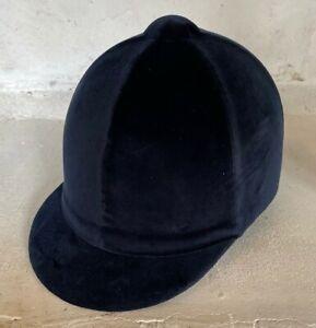 Champion Velvet Hat -EN 1384