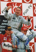 Mika Häkkinen, David Coulthard & Eddie Irvine Autogramme signed 20x30 cm Bild