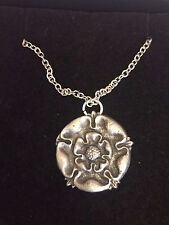 "TUDOR ROSE DR54 Made From Fine Pewter On 16"" Silver Plated Chain Curb Necklace"