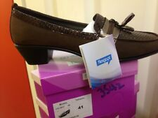 Ladies Brown Leather Shoes Size 8