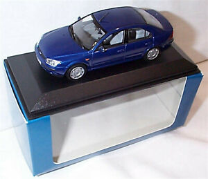 Ford Mondeo MK3 4dr 2000 Blue 1-43 Sclae Minichamps New in case Boxed