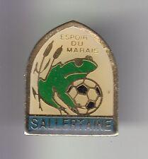 RARE PINS PIN'S .. ANIMAL GRENOUILLE FROG FOOTBALL MARAIS SALLERTAINE 85 ~C7