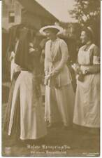 93) AK Kronprinzessin Cecilie von Preußen bei einem Lazarettbesuch