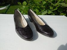 SOFT STYLE BY HUSH PUPPIES LADIES BROWN CROC PATENT LEATHER SHOES SIZE 9 S