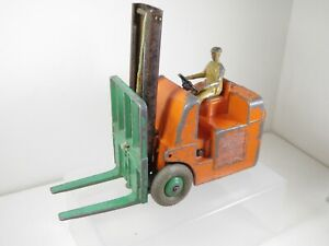 Dinky Toys Coventry Climax Fork Lift Truck. All present and working.