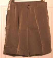 CLAIBORNE NWT MENS Kaiki  Beige Pleated Relax Casual Dress Shorts 30 Retail $40