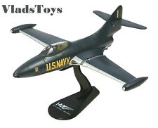 Hobby Master1:48 US Navy Team Leader Rhodes Blue Angels F9F-2 Panther HA7204