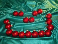 ~ Konvolut 18 alte Christbaumkugeln Glas rot seidenmatt Weihnachtsbaumkugeln ~